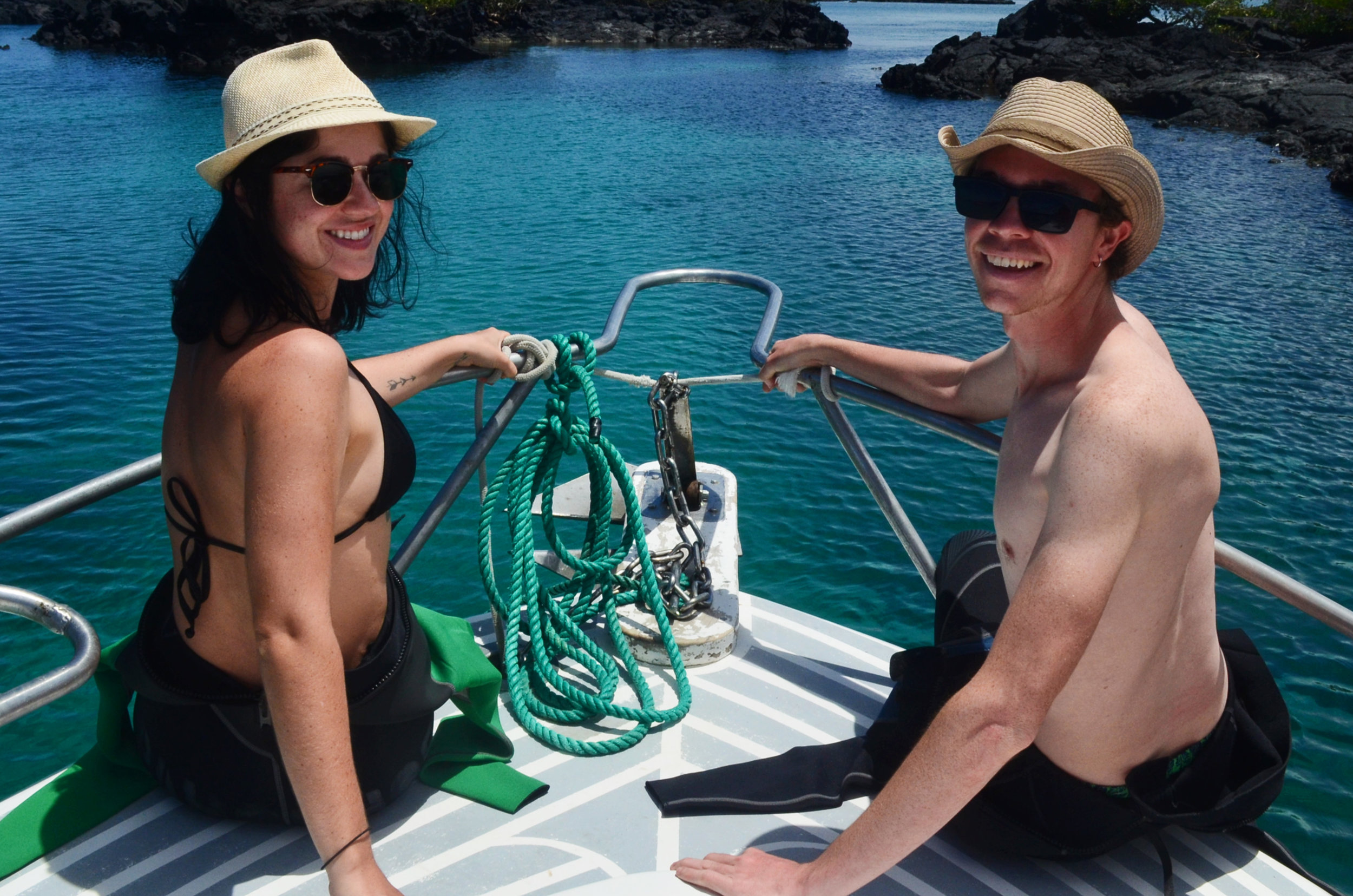 Enjoying the beautiful boat ride to Los Túneles