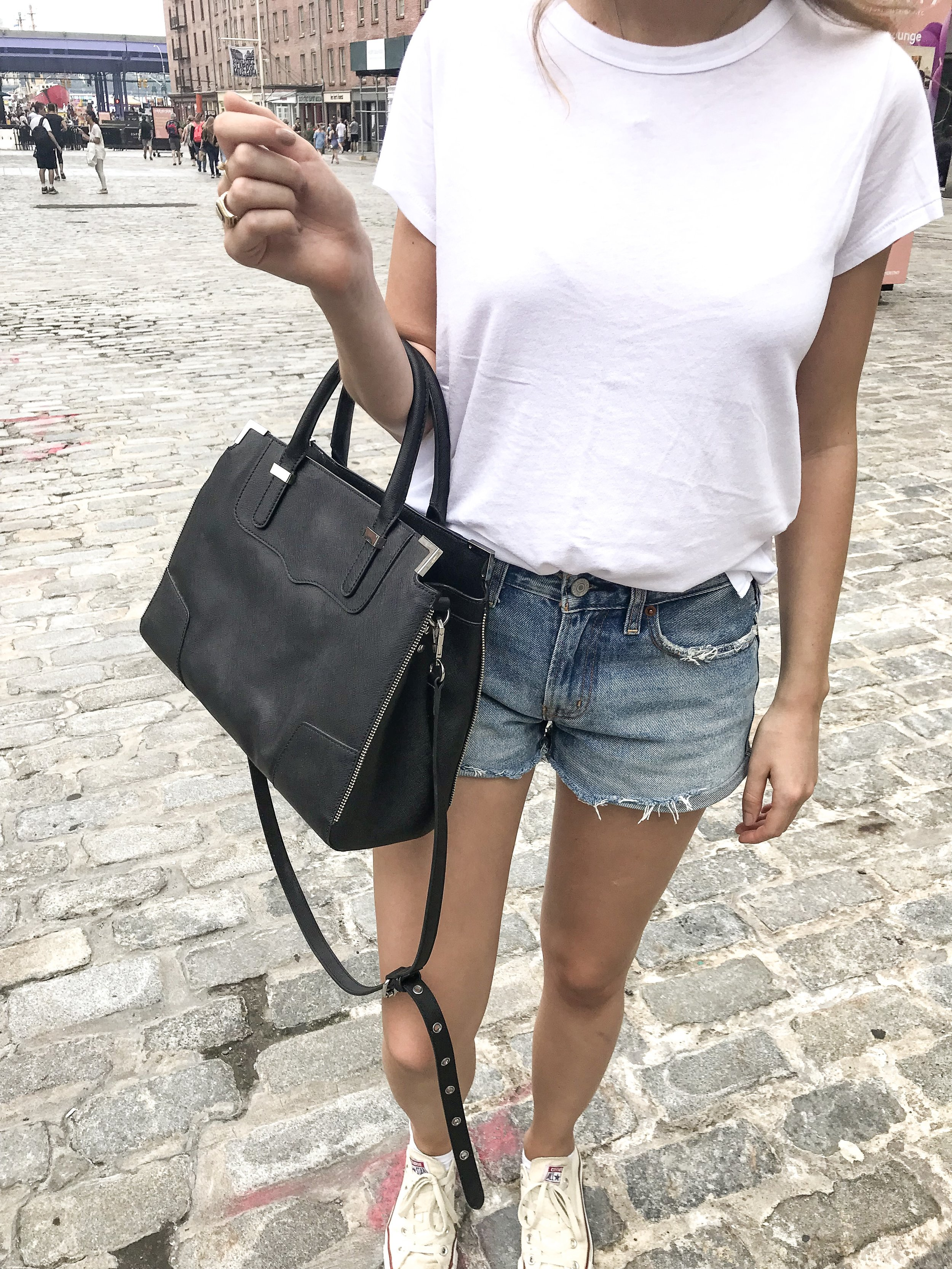 Jeans and t shirt women's fashion