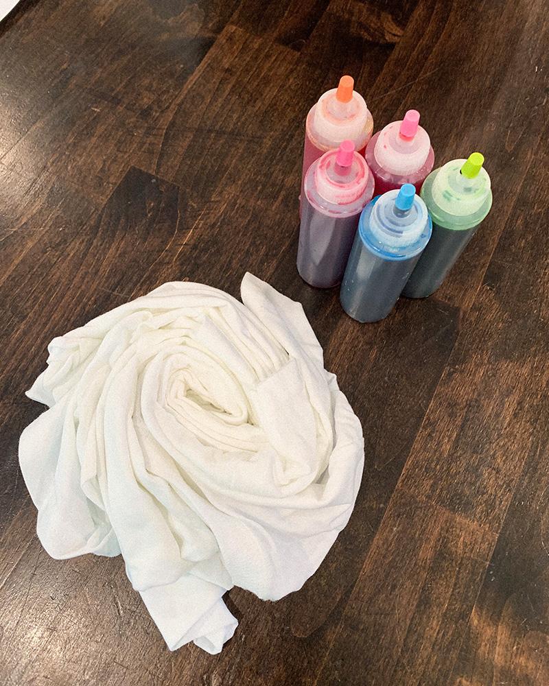 Tie dye techniques, tie dye patterns, tie dye shirts diy,  tie dye shirts ideas, tie dye shirts outfits summer styles