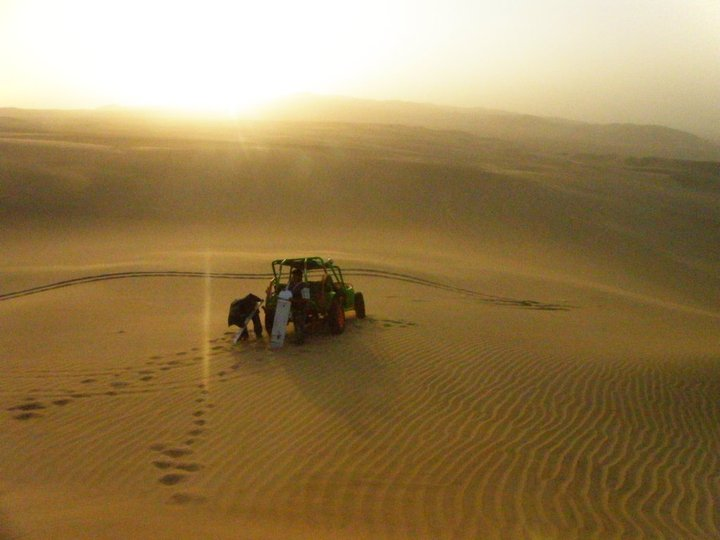Dune buggy in a dune world