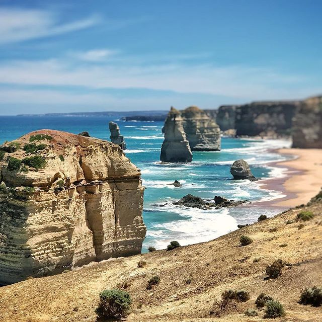 Summer is not over! Come visit and enjoy the last of these sunny days on the infamous great ocean road and try our delicious Summer A la carte Menu (after 5.30pm) - While the sun still shines 🌞 @visitgreatoceanroad @ilukamotelrestaurant Photography by @michaelachterberg