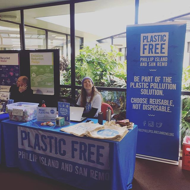 Sophie and Jase are down at the @totallyrenewablephillipisland Open Day today! Come day gday and learn how our community is working together towards a totally renewable future.  #plasticfree #cleanseas #cleanoceans #plastic #byo #reuse #climateemergency #climatechange #renewable #phillipisland