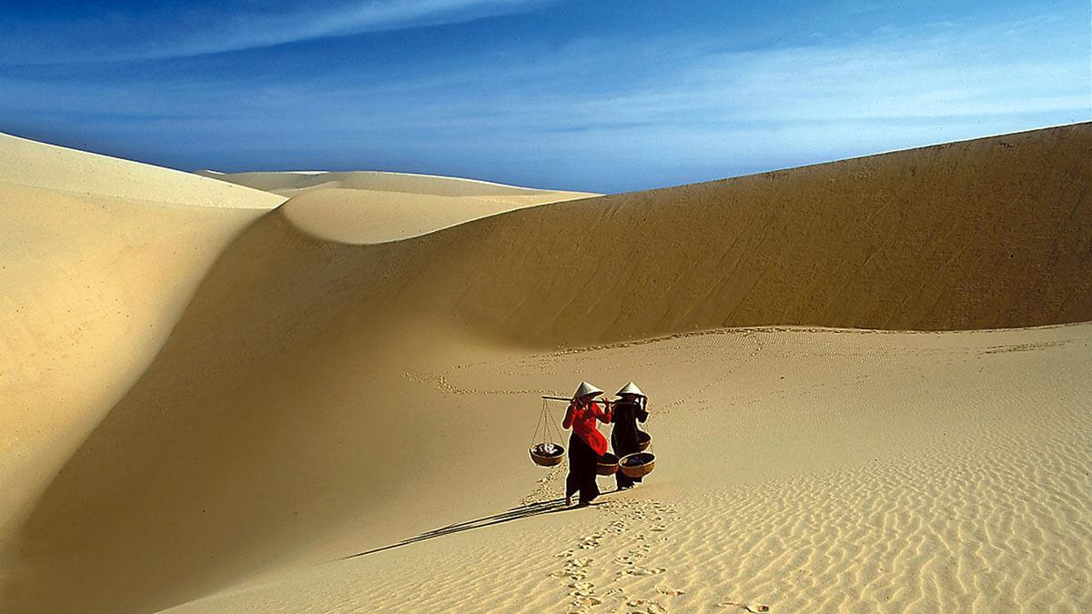 Mui-ne-white-sand-dunes-vietnam.jpg