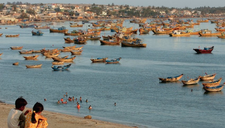 lang-chi-fishing-village-mui-ne-vietnam-guide-travel-to-mui-ne-trip-to-mui-ne-things-to-do-2-760x432.jpg
