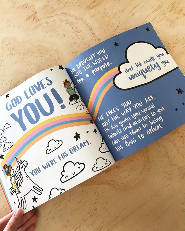 GOD LOVES YOU! And He made you uniquely you!! 🌈☁️🦄 check it out at BeckyOlmstead.net/bestnewsever . . . #kidsreadtruth #illustration #bookstagram #nextgen #jesus #unicorn #love #unique #kids #bookshelf #dream