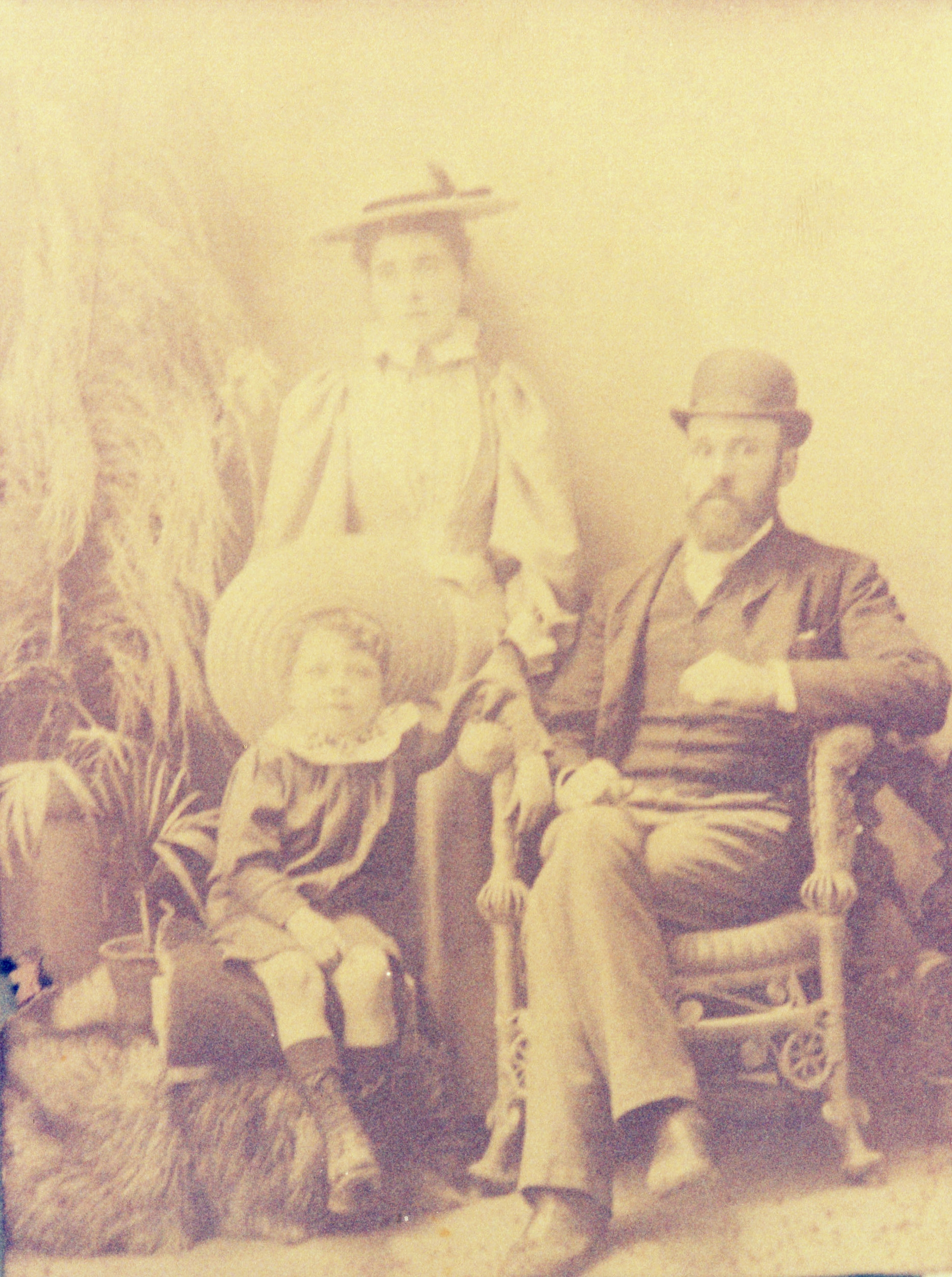 Young Reg, Annie and Robert Walters, c1895