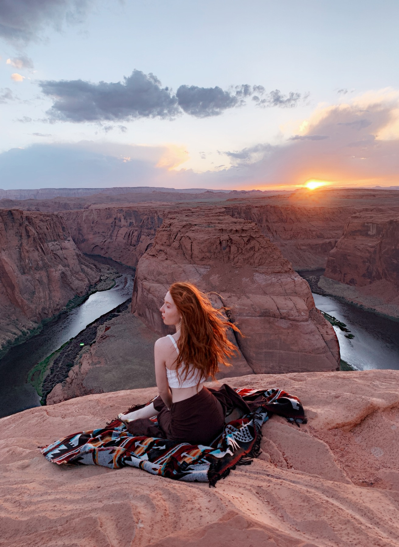 Glennellen visiting the Horseshoe Bend in Arizona. Blanket sponsored by  SACKCLOTH & ASHES .