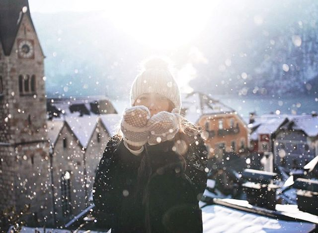 Blowing kisses always makes for fun photos! I just finally compiled all our adventures from #Austria and #Germany in one EPIC Roadtrip Blog Post, along with a five day itinerary. 😘 ❄️ WARNING: its not for the faint of heights-uh-I mean heart. 😉 (Link in bio!) . . . #theoutbound #discovereurope #travelingtheworld #sheisnotlost #exploreeverything #explore #womenwhoexplore #travelhard #extraordinaryexplorer #femmetravel #passionpassport #lifewelltravelled #mytinyatlas #wintertravel #halstatt #austrianalps #visitaustria #salzkammergut