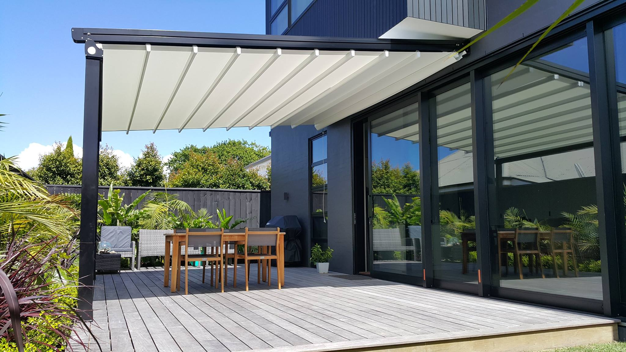 Oztech Retractable roof system