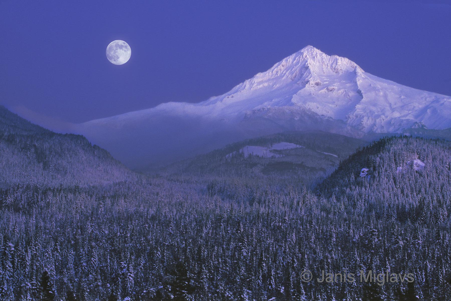 Moonrise over Mt Hood