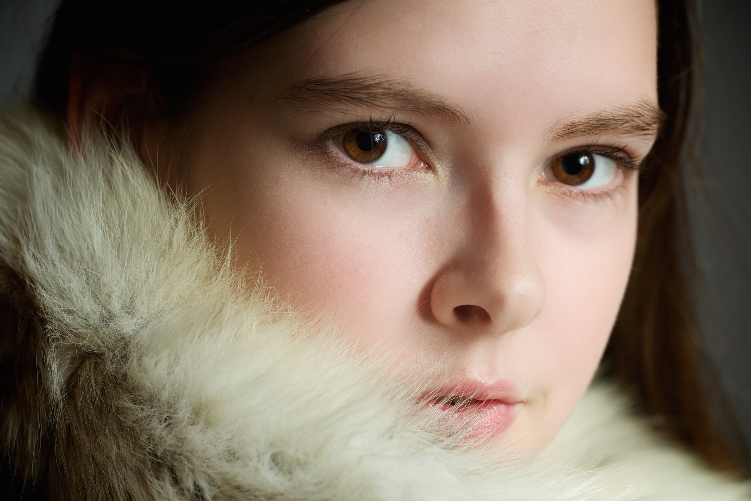 Katie in her days of innocence - 90mm f2 on Canon 5D MkIII