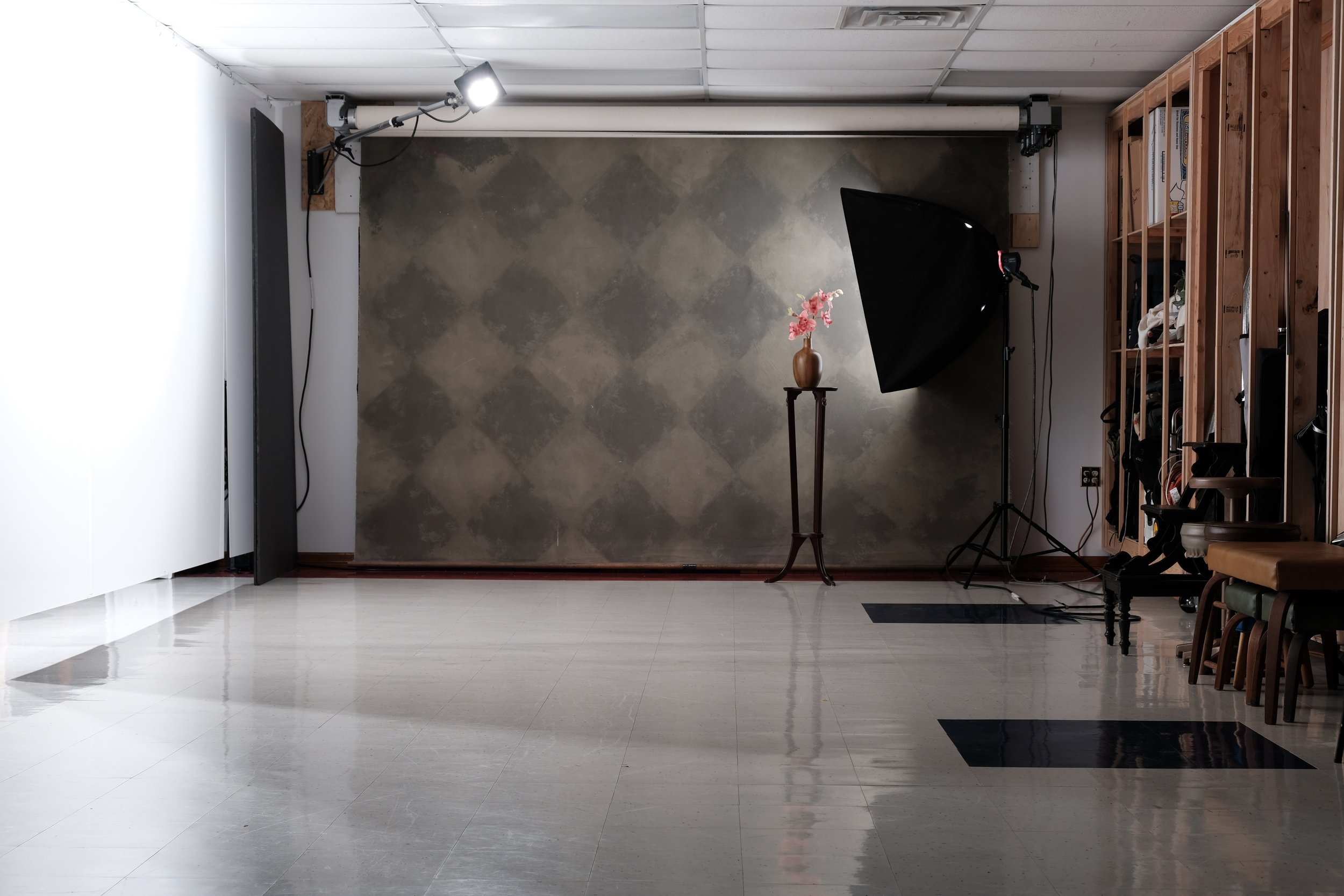 16x30 space with three 12ft canvas background options. Sample Images from studio 2 here.