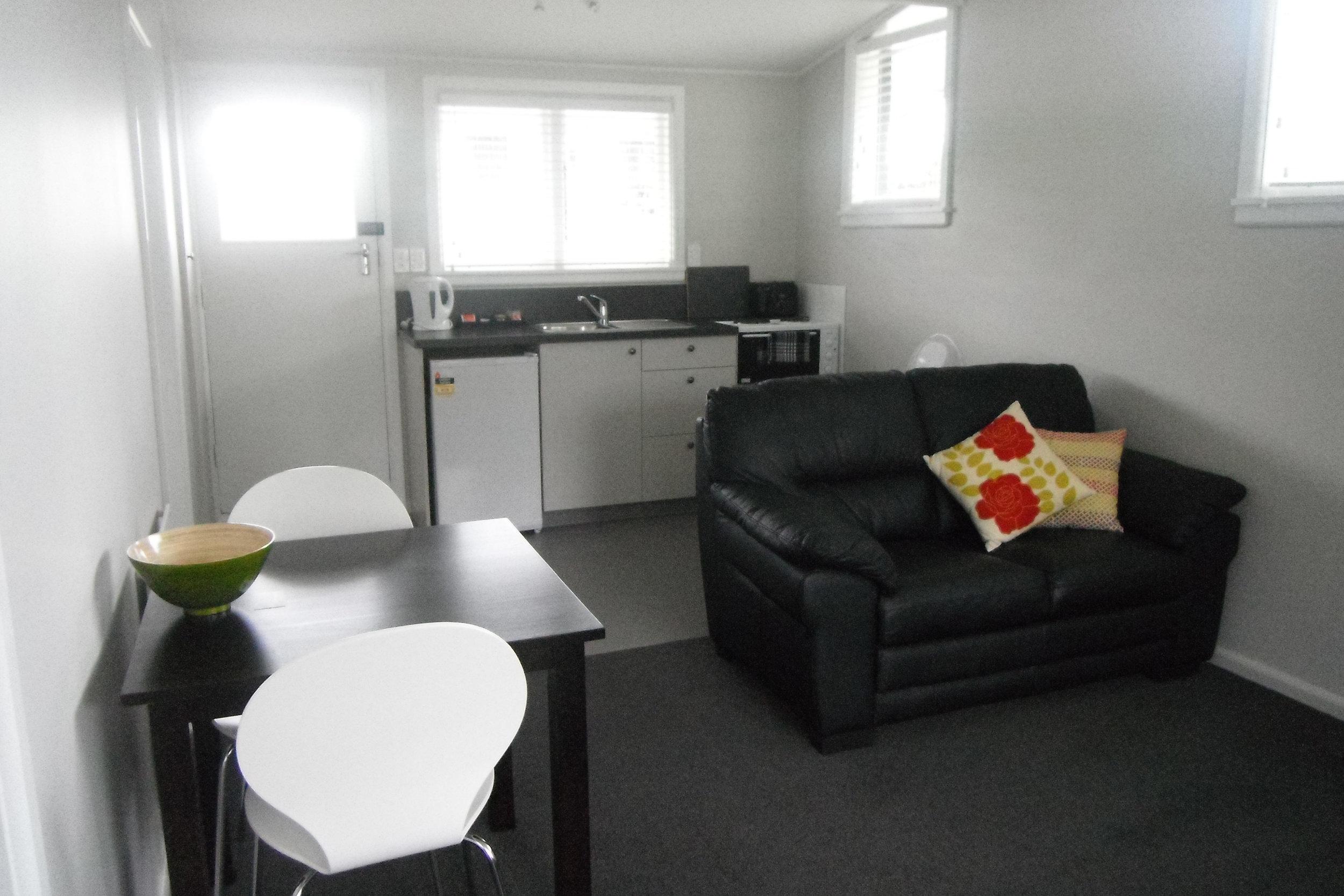 chevmot_Motel3-Kitchen.jpg