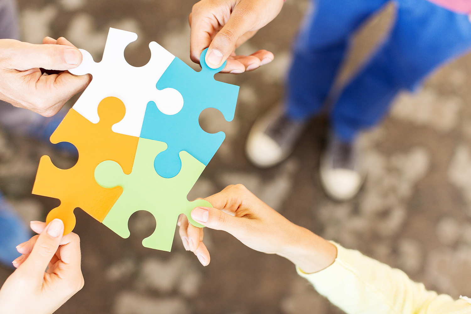 Business-People-Joining-Jigsaw-Pieces-508075657_5760x3840 (1).jpg