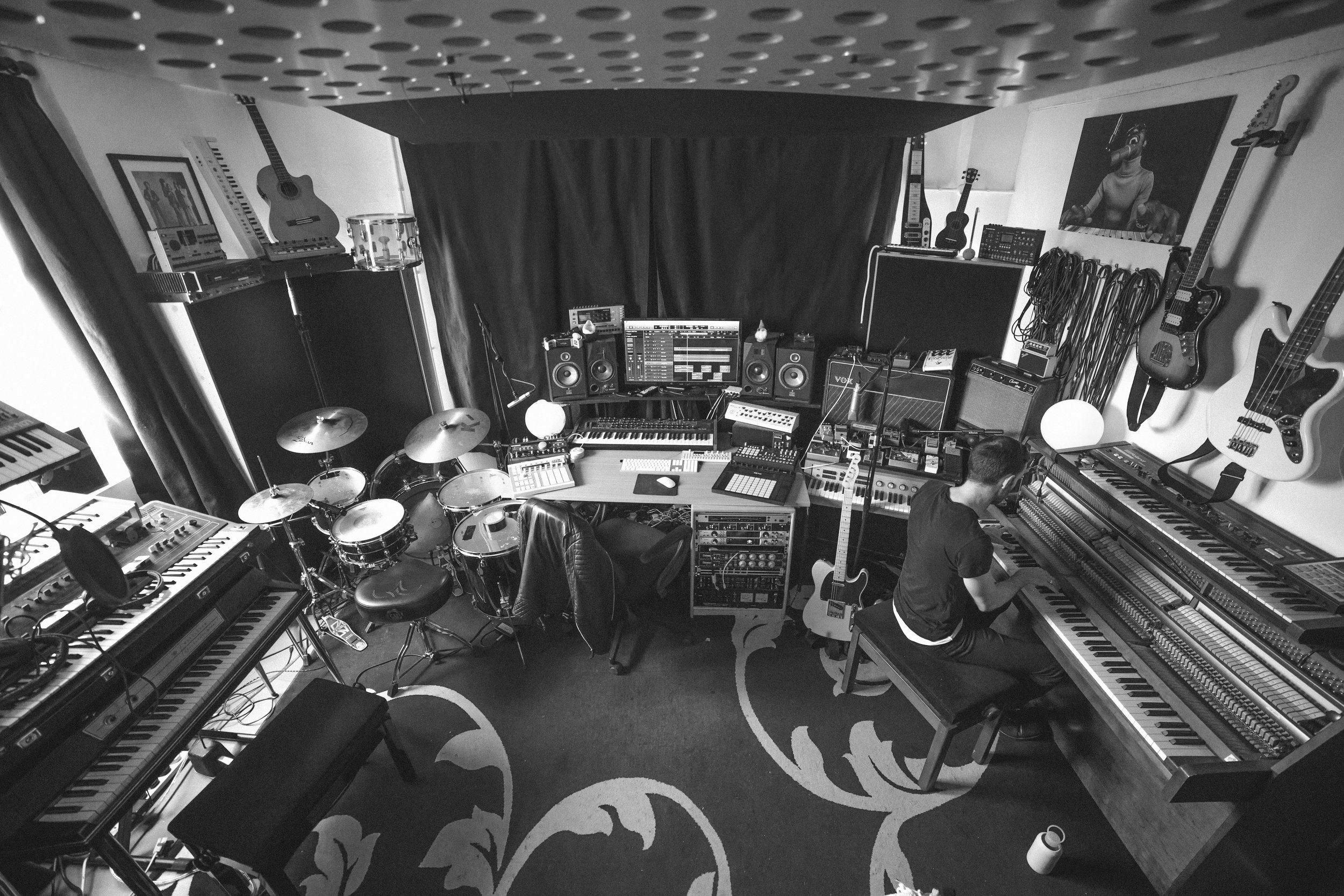 slowlights studio HR-40.jpg