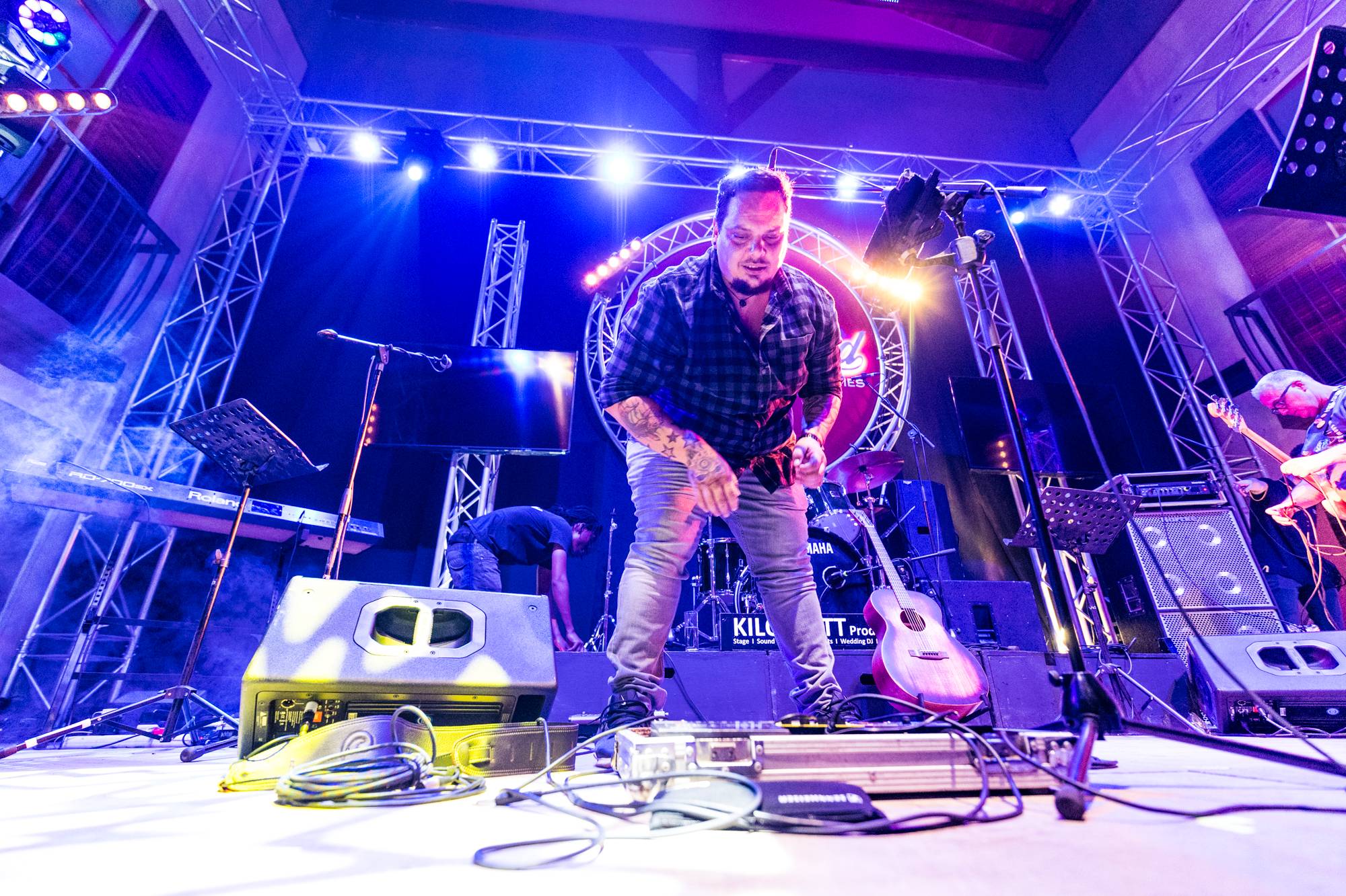 A Day with Pedro Barbosa - Mozambique-born Pedro Barbosa is no stranger to the South African music scene. I got the opportunity to shadow him for a day to see exactly what the life of a musician is like… (This day he opened for Brian McFadden (ex Westlife))