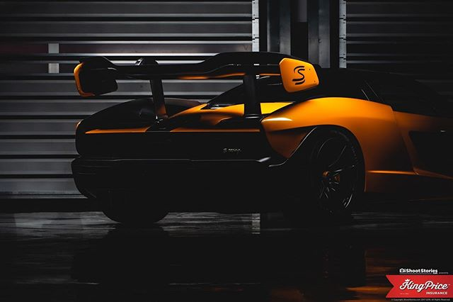 Functional rear end, that is about all I can say about this work of art...anybody want to take a guess at what this colour is called? Anyone? . . . @mclaren @mclaren_za @daytona_za @daytona_ceo #mclaren #senna #supercar #ishootstories @kingpriceins #lightpaint #lightpainting #leisure #premium #carbonfiber #carart #carfineart