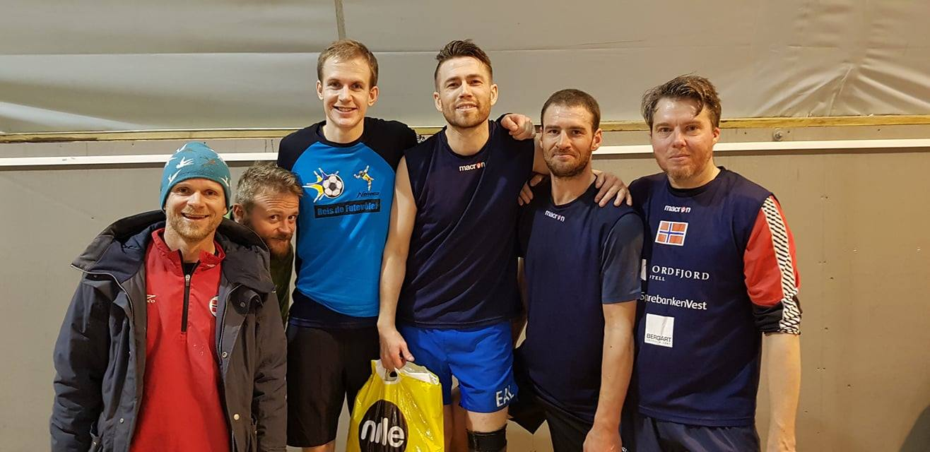 Pallen: f.v. Atle Briseid og Stig Kallestad (3.plass), Alexander M. Karlsen og Emil A. Lindstrøm (1. plass), Magnus Hunemo og Kristoffer F. Aarskog (2. plass).
