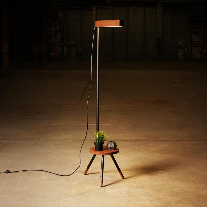 Stela Lamp