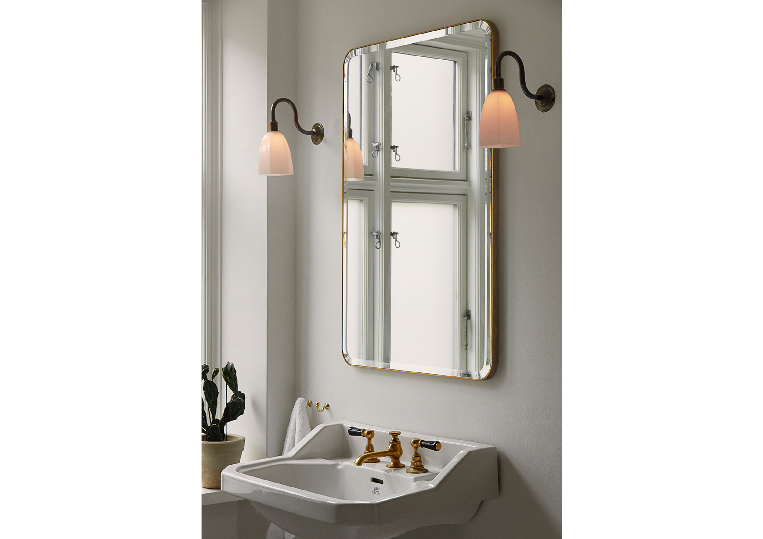 P L S _Copenhagen Townhouse_Bathroom.jpg
