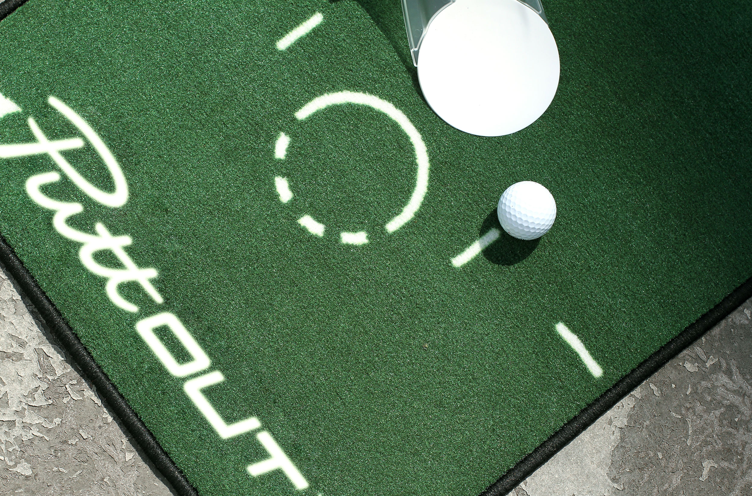 PUTTING MAT - To be the best putter you can be takes practice. With the PuttOUT Putting Mat you have a reliable base for practicing the most underrated part of anyone's game: putting.Available in two colours (green and grey) and printed with markings up to 6-feet, alignment lines and pace targets, the PuttOUT Putting Mat is designed to give you the opportunity to practice every aspect of your putting game.