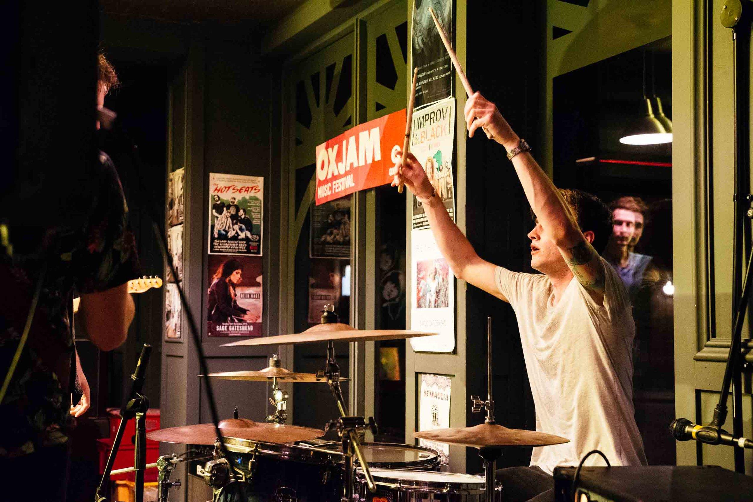 2016-08-22 Oxjam Newcastle 2016 fundraiser at Long Play Cafe (6000 x 4000, 35 mm, 1-160 sec at f - 4.0).jpg