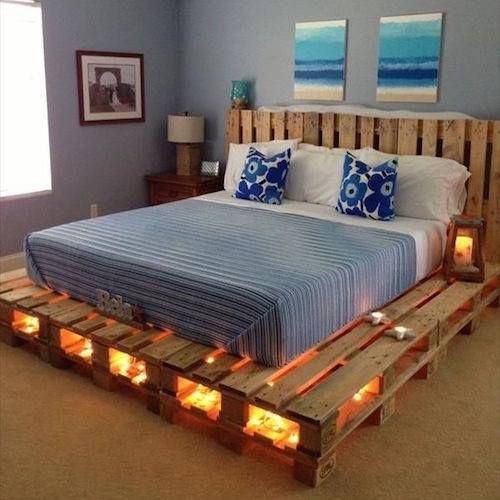 aménagement intérieur palette bois sommier lit.jpg