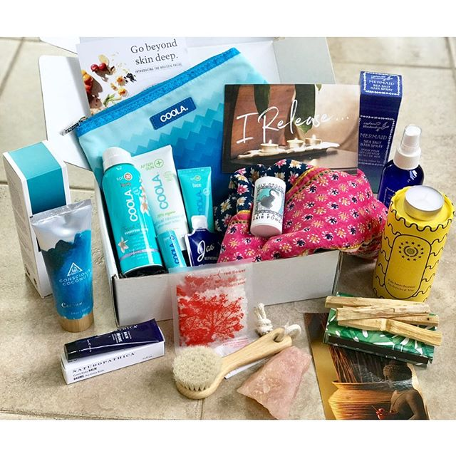 Happy Full moon lovelies! What a perfect way to celebrate and share our Summer Ritual Box!  This box is full of so many things to keep you grounded and balanced during this mercury in retrograde season.  AND It's full of specially curated products to protect your hair and skin too! BONUS This box was created with every way to protect you from head to toe, while embracing this season.  The Rituals in this box will not only nourish you but will be 100% clean beauty for you too. Subscribe for a year for $364.00 and receive over $800.00 worth of products in the 4 seasonal boxes.  Click the link in the bio and sign up for our subscription box or just grab the summer one.  The summer box is shipping out next week.  #simpleselflove #cleanbeauty #simpleselflovesociety  #fullmoonritual #staygroundedinlove