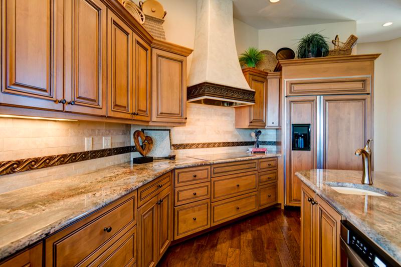 Kitchen 1-2.jpg