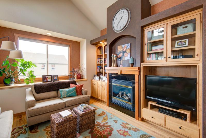 Living Room 1 (2).jpg