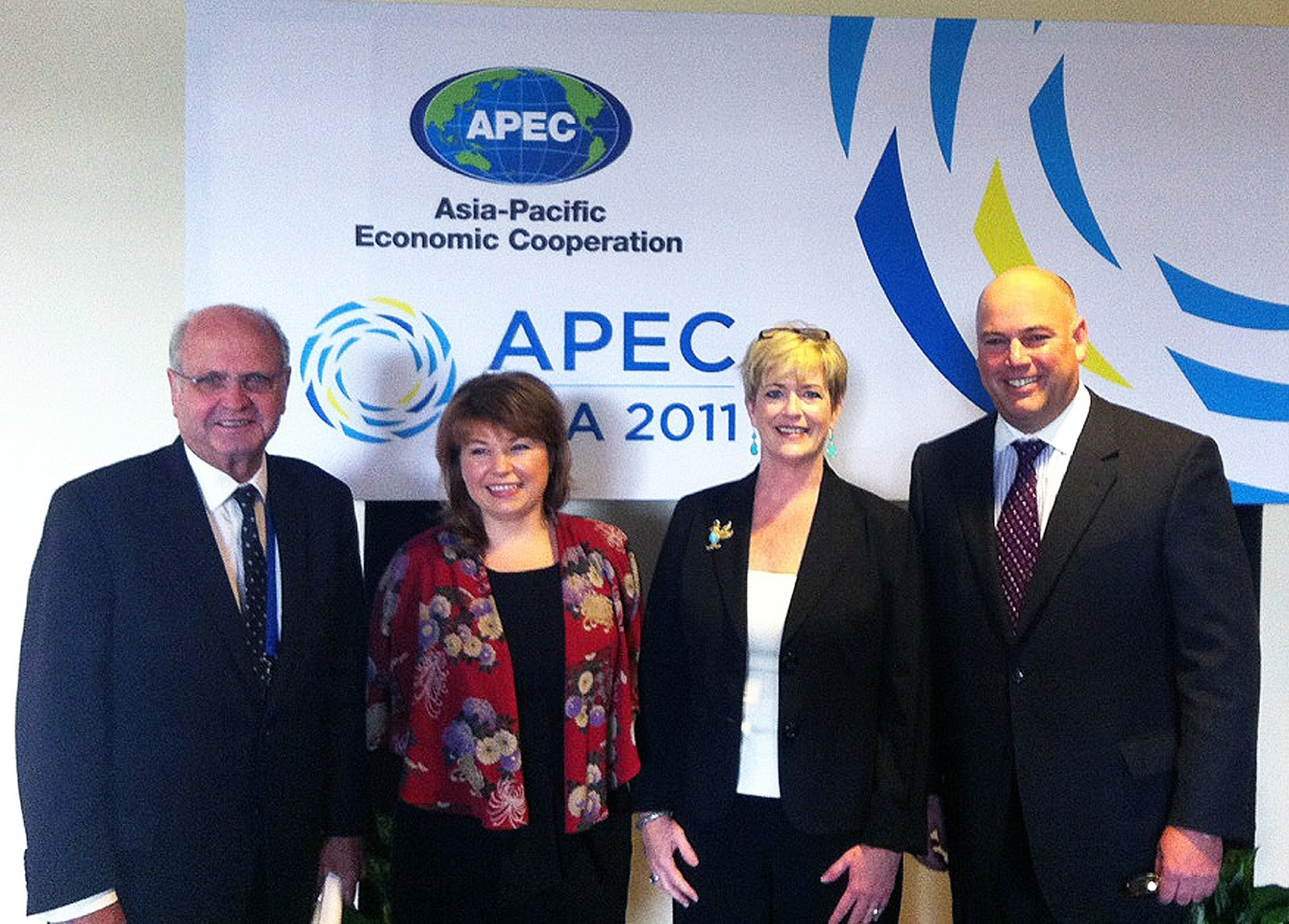Left to Right: Michael Moore, New Zealand Ambassador to the U.S.; Sirma Karapeeva, New Zealand Ministry of Primary Industries; Julia Doherty, Senior Director, U.S. Office of Trade Representative and 2012 APEC Sub-Committee on Standards and Conformance chair; and Robert P. (Bobby) Koch, President and CEO of Wine Institute.