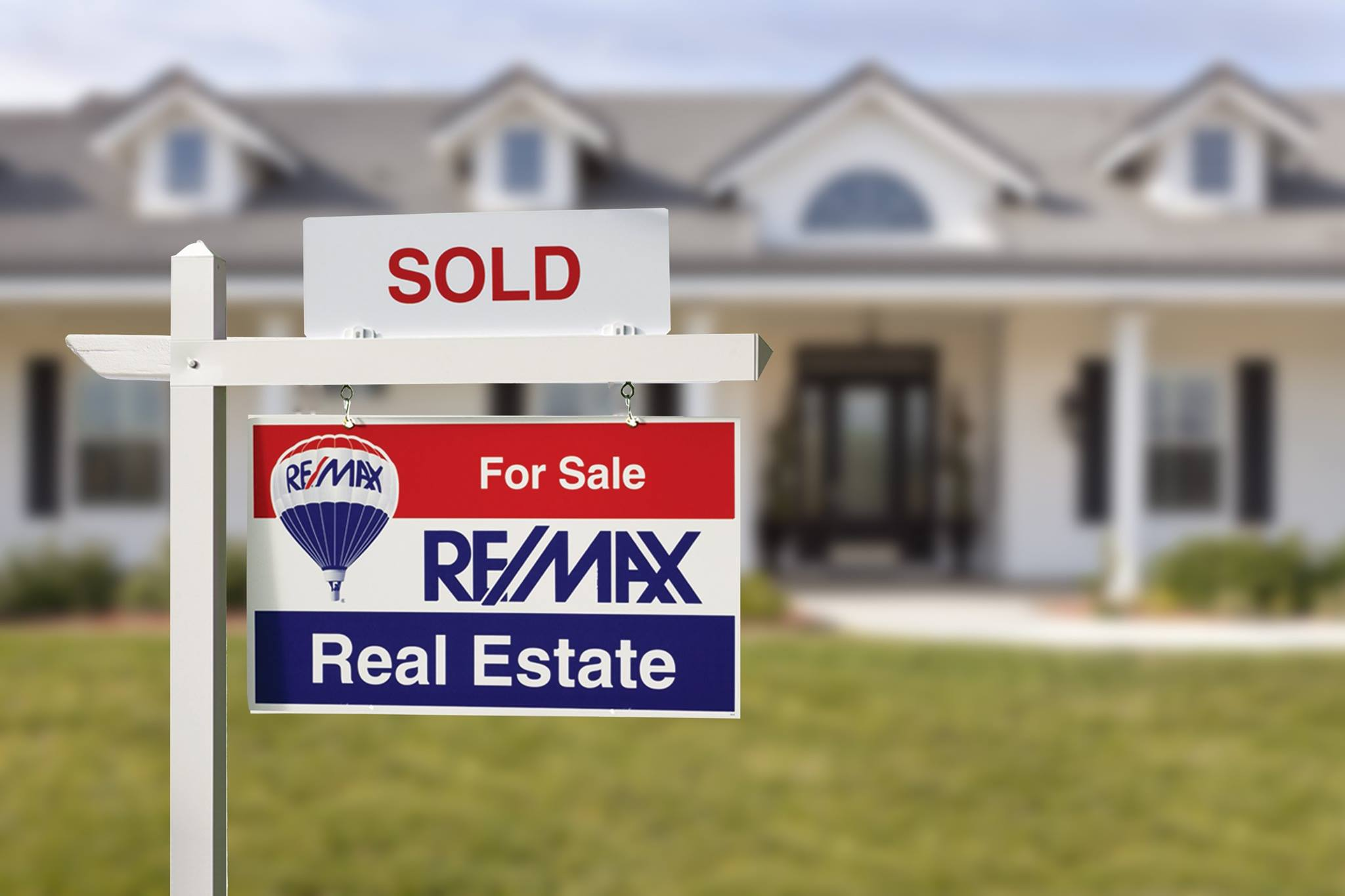 remax-sold-sign-house.jpg