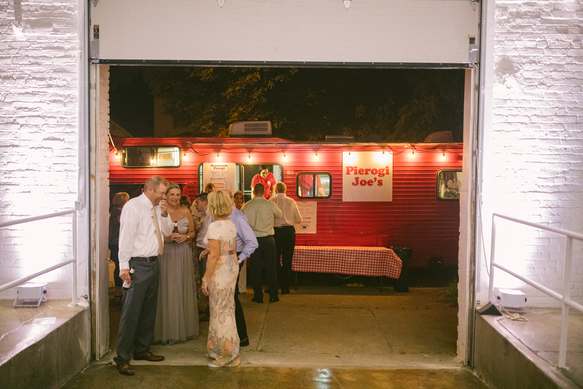 00708 The Madison Venue Wedding Photographer in Cleveland.jpg