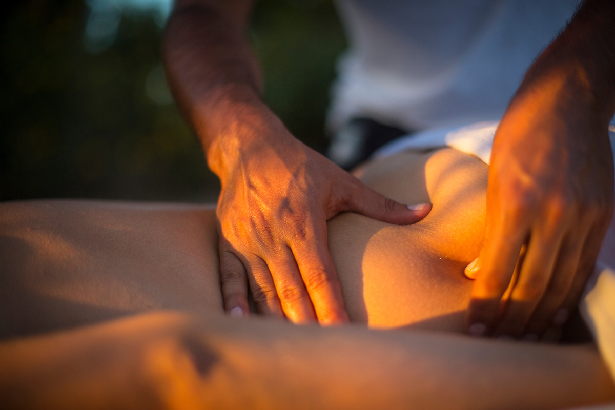 Firm and strong massage ideal for people with high stress levels from work resulting in contractures on specific areas or for the athletic enthusiast that needs work on the muscles -