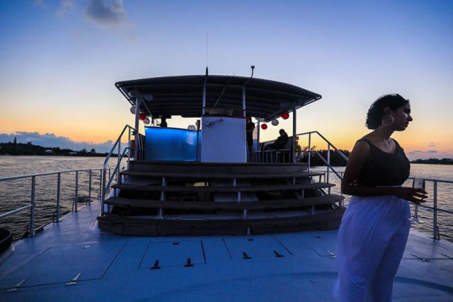 Bermuda-Yacht-UberVida-III7448-640x480.jpg