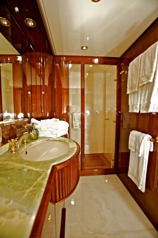 bathroom-640x480.jpg