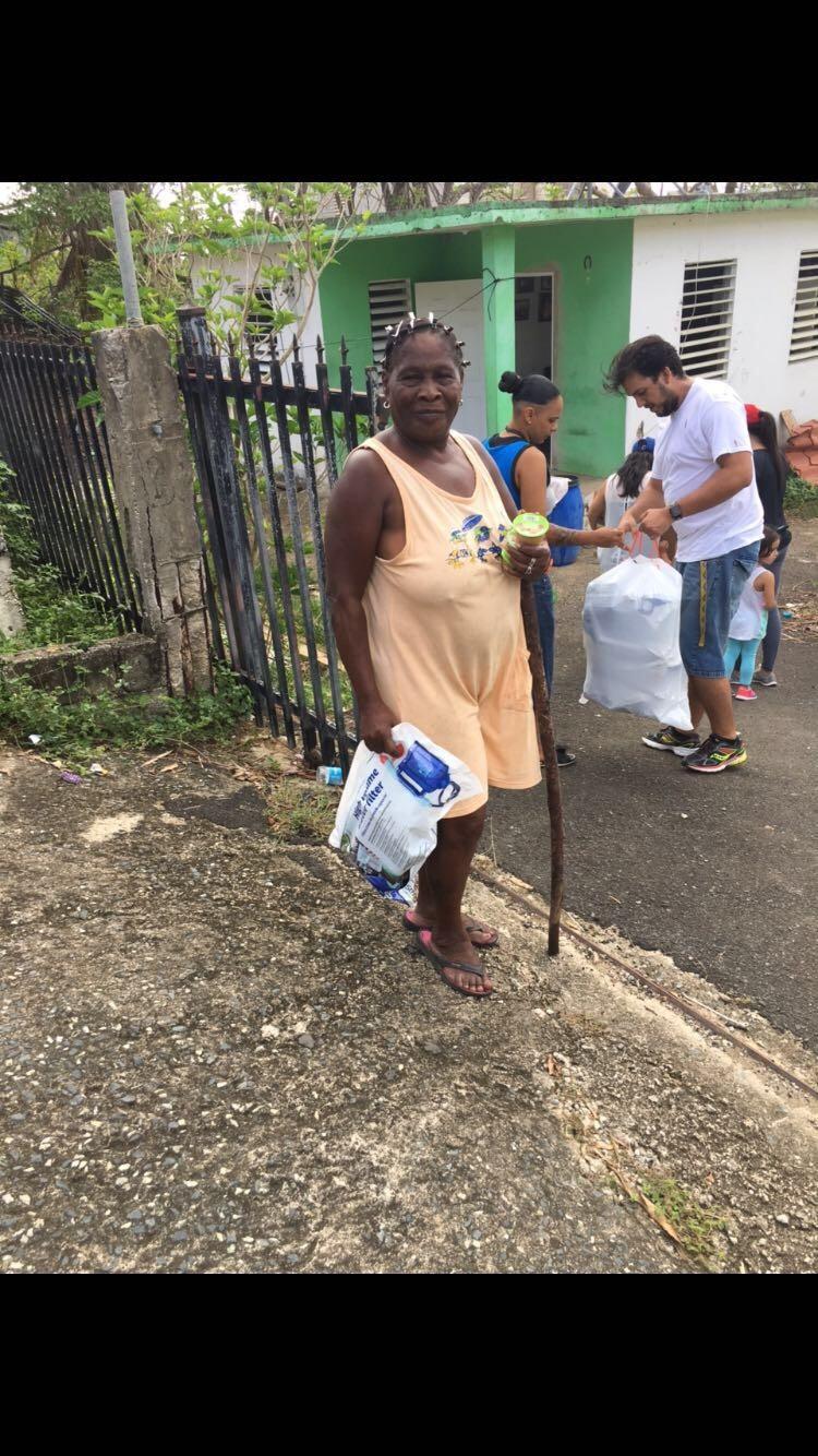 Water filter distribution in Utuado