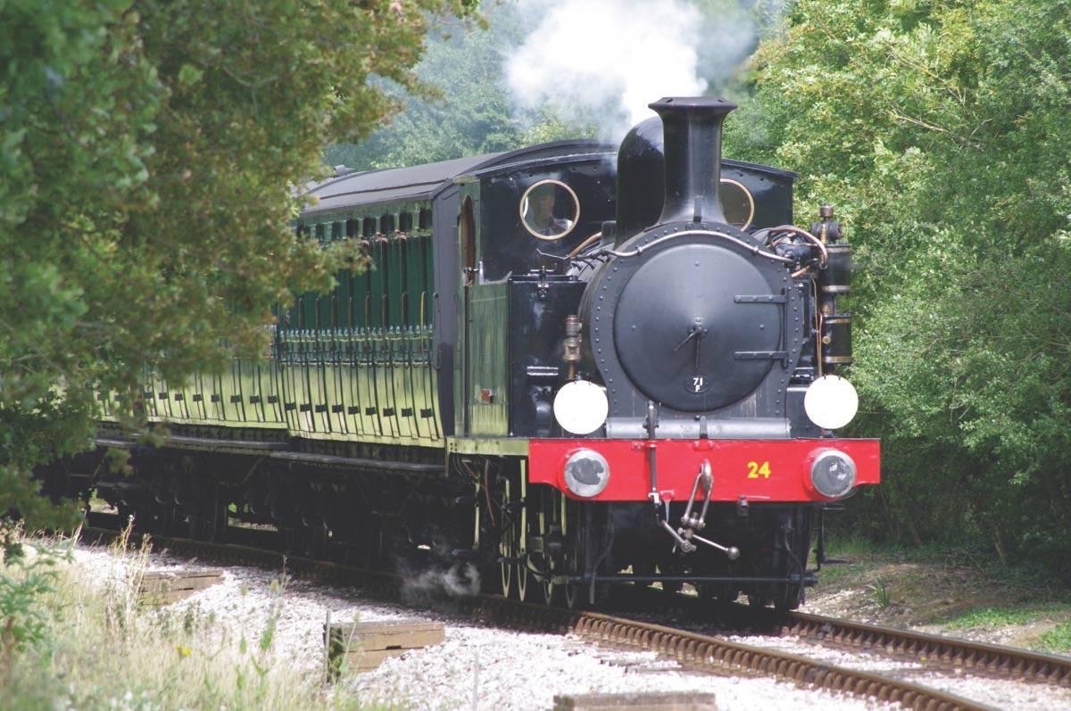 rail-holiday-travel.jpg