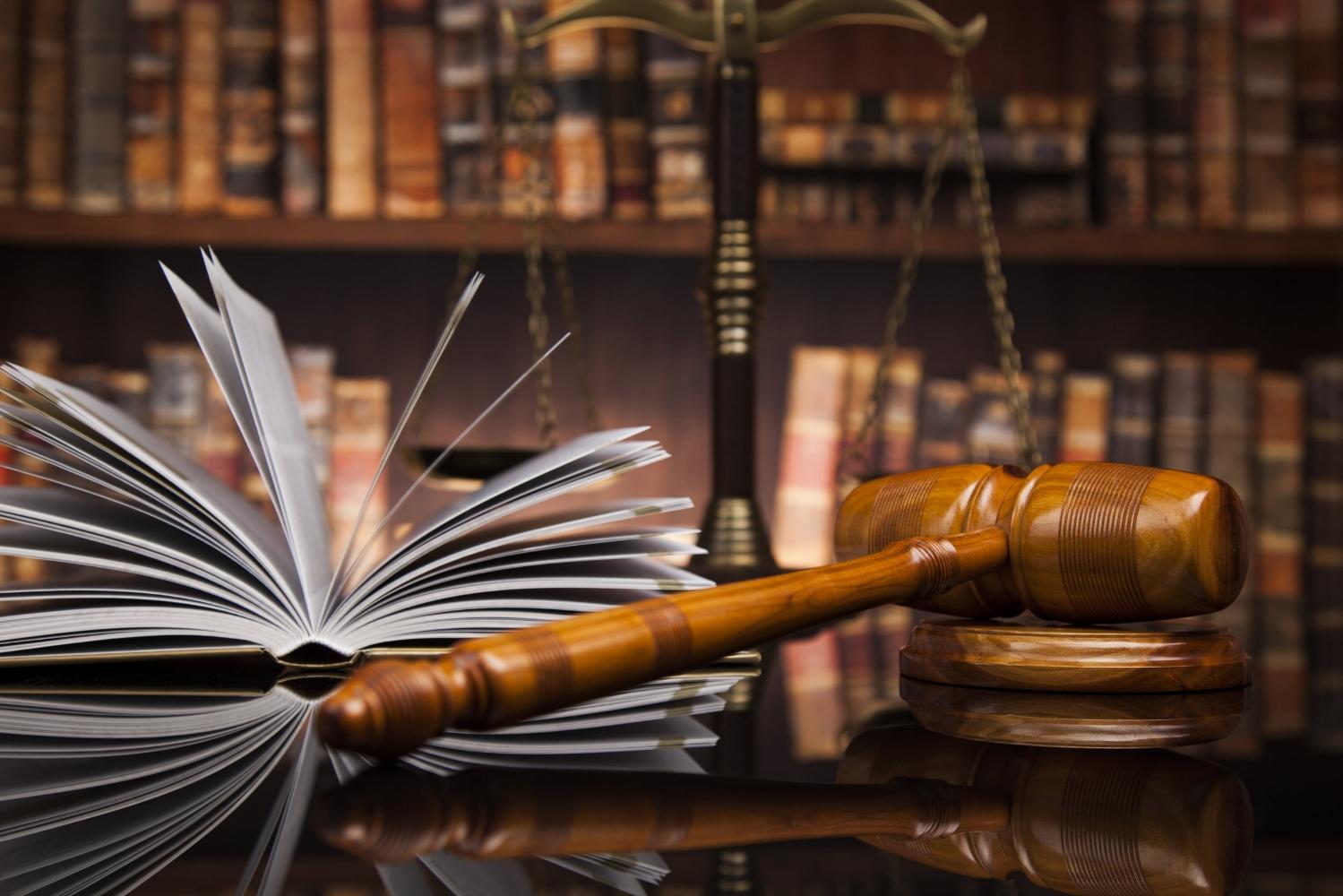 law books, gavel, scales_AdobeStock_134392731.jpg