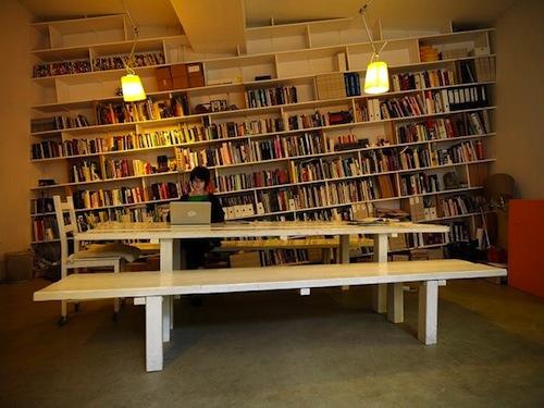 Slanted-shelves-634x475