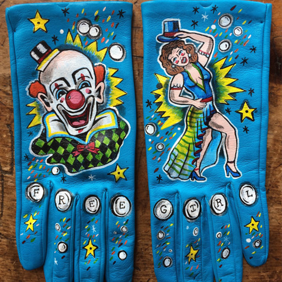 Circus Gloves.png