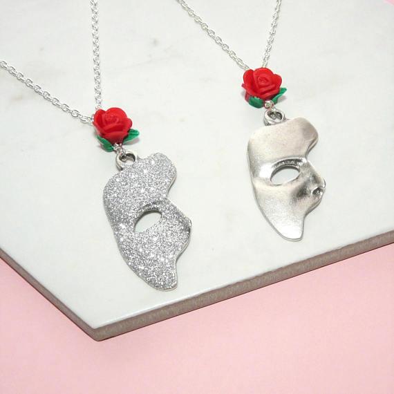 Phantom Mask Necklace.png
