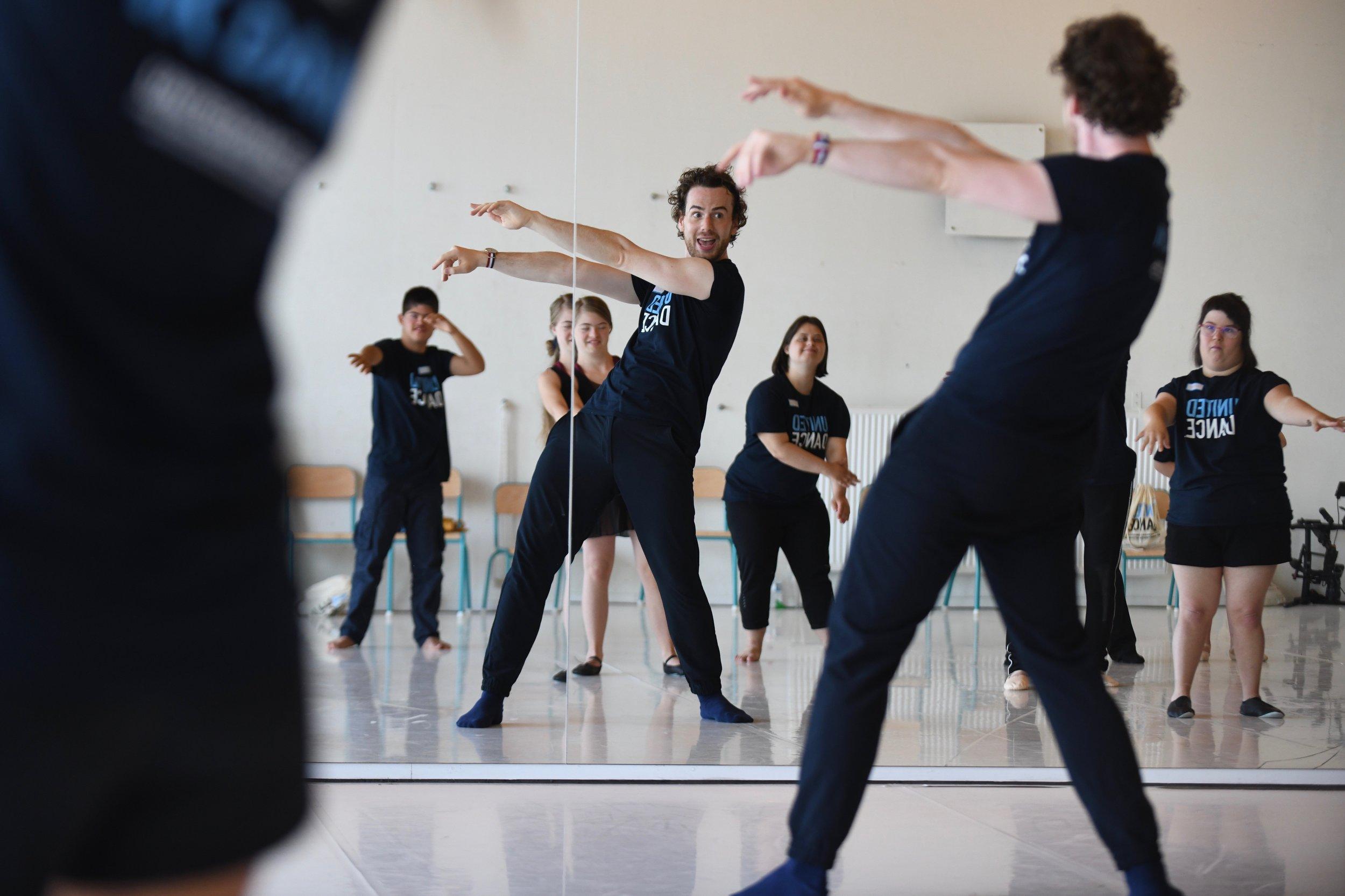Leerkracht Boris Richir en de deelnemers van de United Dance Dansstage Antwerpen 2018