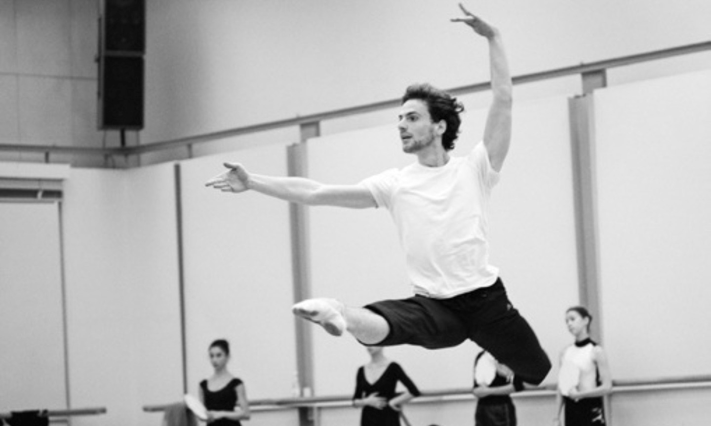 "Boris Richir in rehearsal of the ballet ""La Bayadere"""