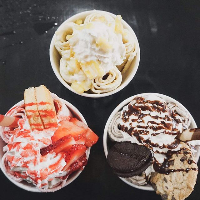 Finish your Monday on a good note and treat yourself to some ice cream! - Tag a friend that needs some ice cream in their life! - We are open 12PM - 9PM today! Hope to see you soon! - #sotahotandcold club is live