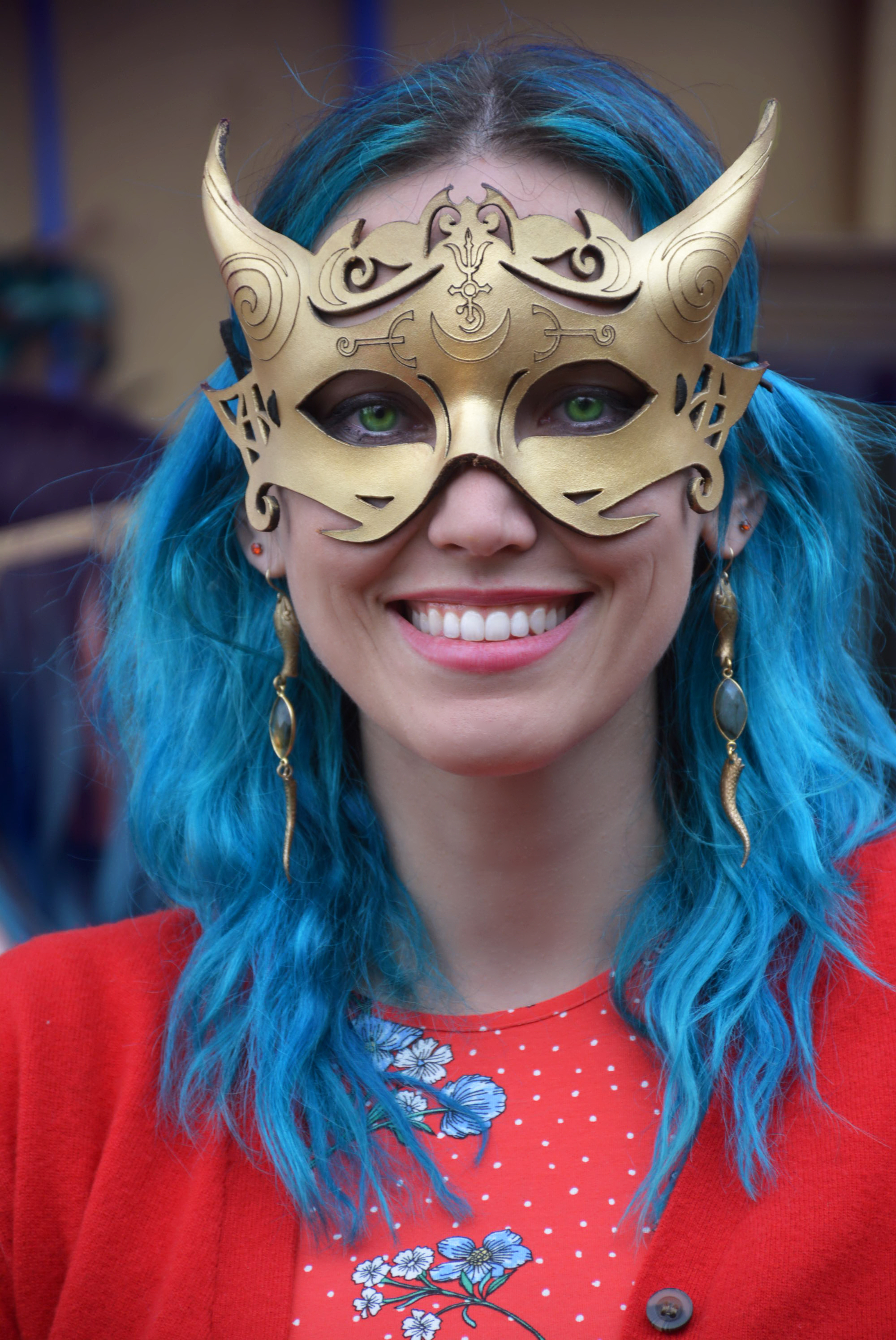 blue hair gold kat.jpg