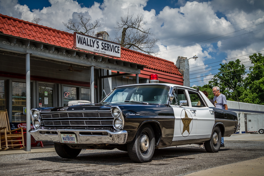 Wally's Service, Mayberry