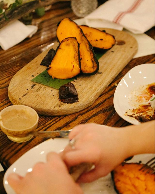 We love how our pop-ups bring people together over a well-made meal. There's no better example than @amparofondita's past events with us, as seen here #thatsweetpotatothough // Follow @amparofondita for updates on their restaurant coming soon to @lacosechadc! // 📸 : @vinasana • • • • • • #districtspace #brooklanddc #dcdining #dcfoodie #dcfood #dmvfoodie #dmvfood #dcpopup #edibledc #dccitystyle #igdc #dclife #mydccool #dcrising #lustlocaldc #acreativedc #dcevents #dcevent #dmvevents #dceventspace #dcpopups #dceater #dceventspace #dcvenue #dcdining #dcchefs