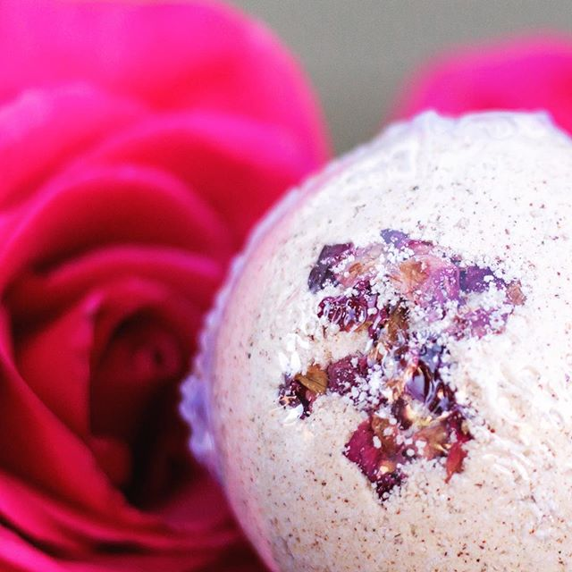 February is all about self-love! Up your self-love quotient with these gorgeous and all-natural, organic bath fizzies. We only have a few of these massive beauts left and they're only $4 until they sell out! Copy and paste link to shop: www.loveliveshine.com/shop #loveliveshineshop #bereal #allnatural #smallbusiness #meditation #selflove #essentialoils #giftideas #valentinesday