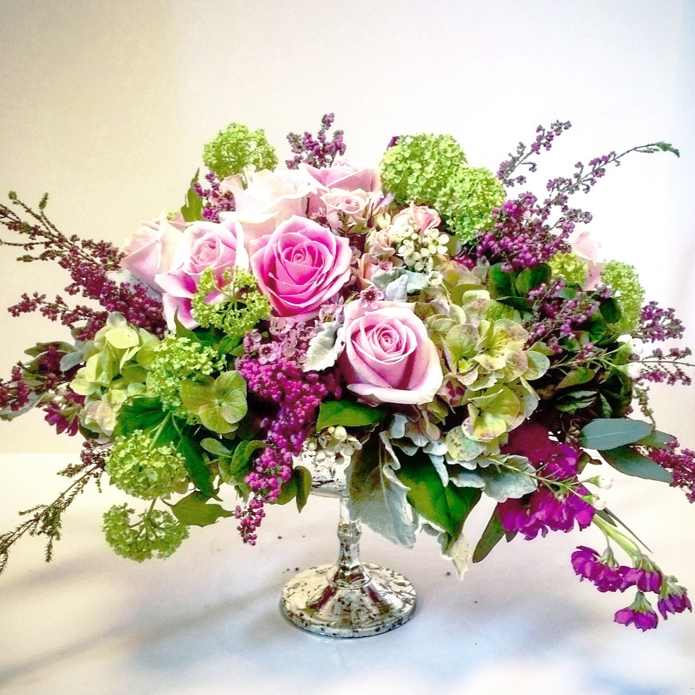 08_HengstenbergsFlorist_Signature_PinkRoseArray.jpg
